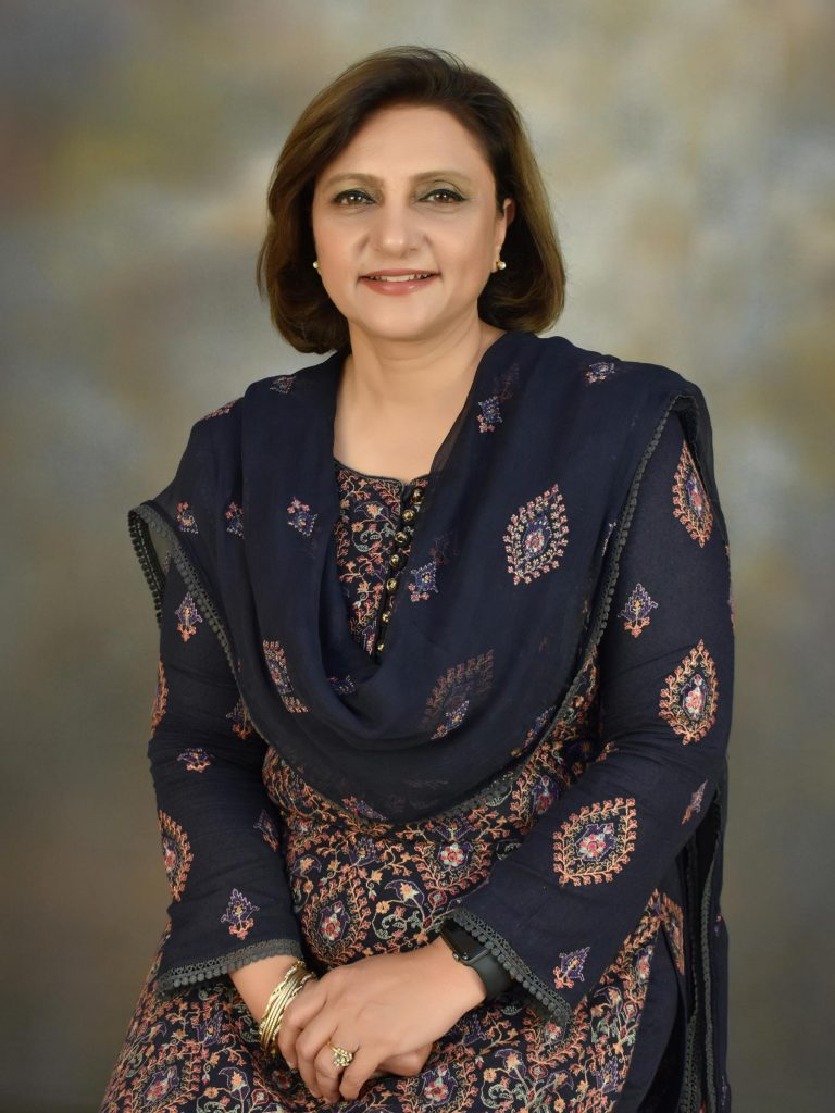 Dr.-Gulfreen-Waheed